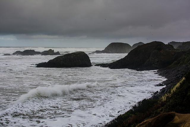 Photo of the ocean at the Oregon coast.