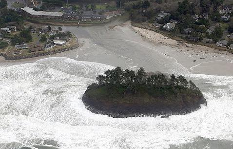 Photo of King Tide at Neskowin.
