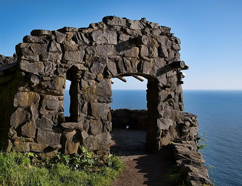 The stone shelter atop Cape Perpetua.\Photo by Bruce Swenson.