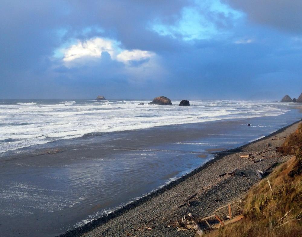 The beach at Falcon Cove, below Fire Mountain School.\Photo by Viviane Simon-Brown.
