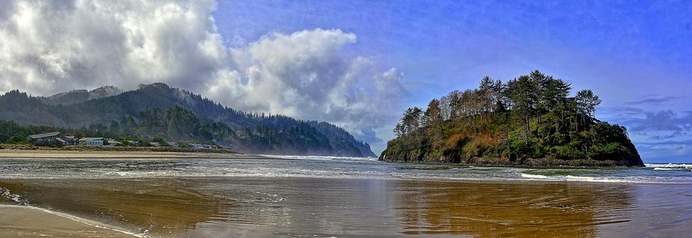 Neskowin Beach and Proposal Rock.\Photo by Kirt Edblom.