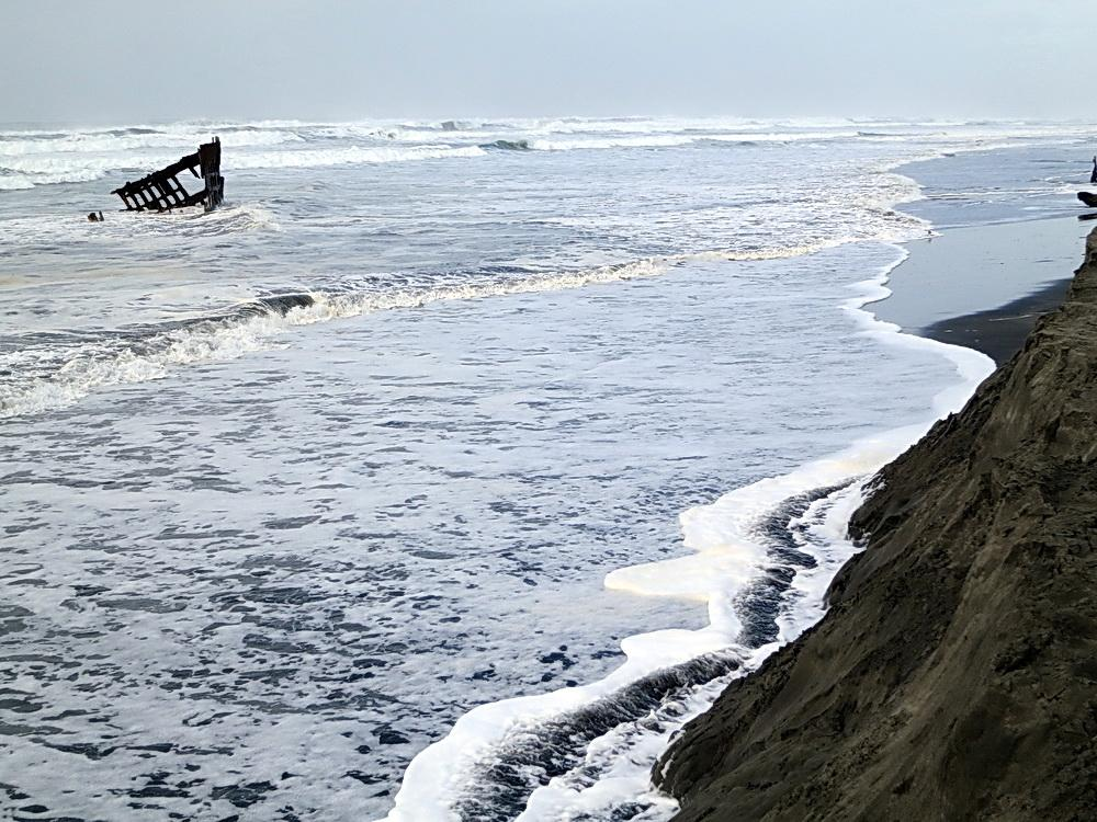 Wreck of the Peter Iredale at King Tide.\Photo courtesy of Oregon King Tides.
