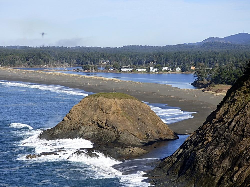 King Tide at Agate Beach and Garrison Lake in Port Orford.\Photo courtesy of Oregon King Tides.