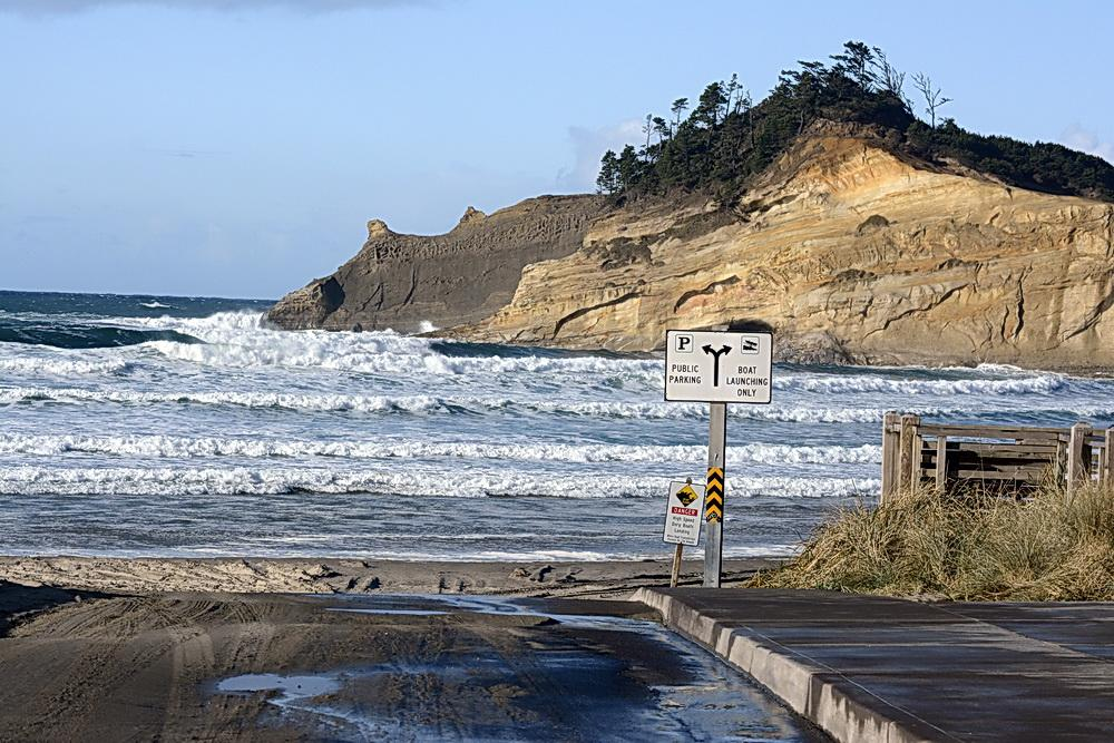 Cape Kiwanda at King Tide.\Photo courtesy of Oregon King Tides.