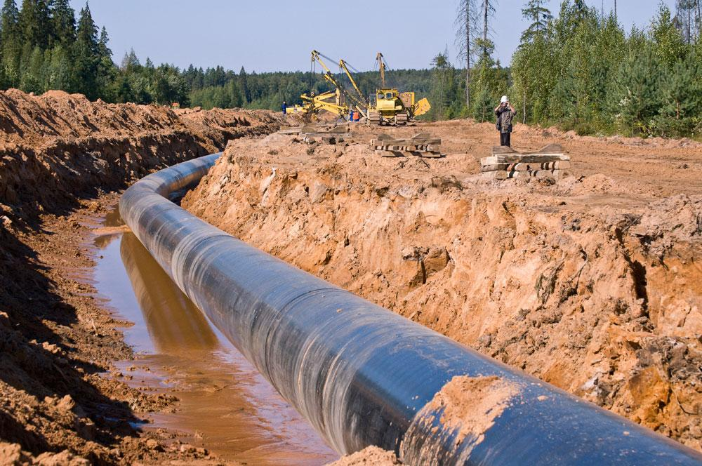 Photo of LNG pipeline under construction.
