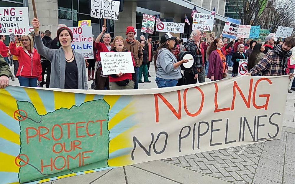 Anti-LNG rally.\Photo by Allen Hallmark.