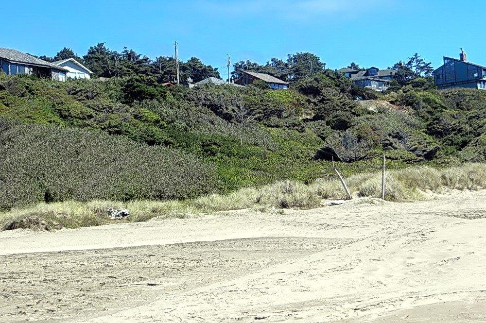 Spring St. development site viewed from the beach.\Photo by Elaine Karnes.