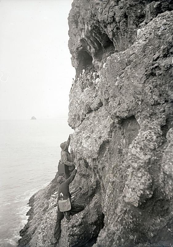 Photographers William Finley and Herman Bohlman on the Oregon coast. Photo courtesy of Oregon Historical Society.