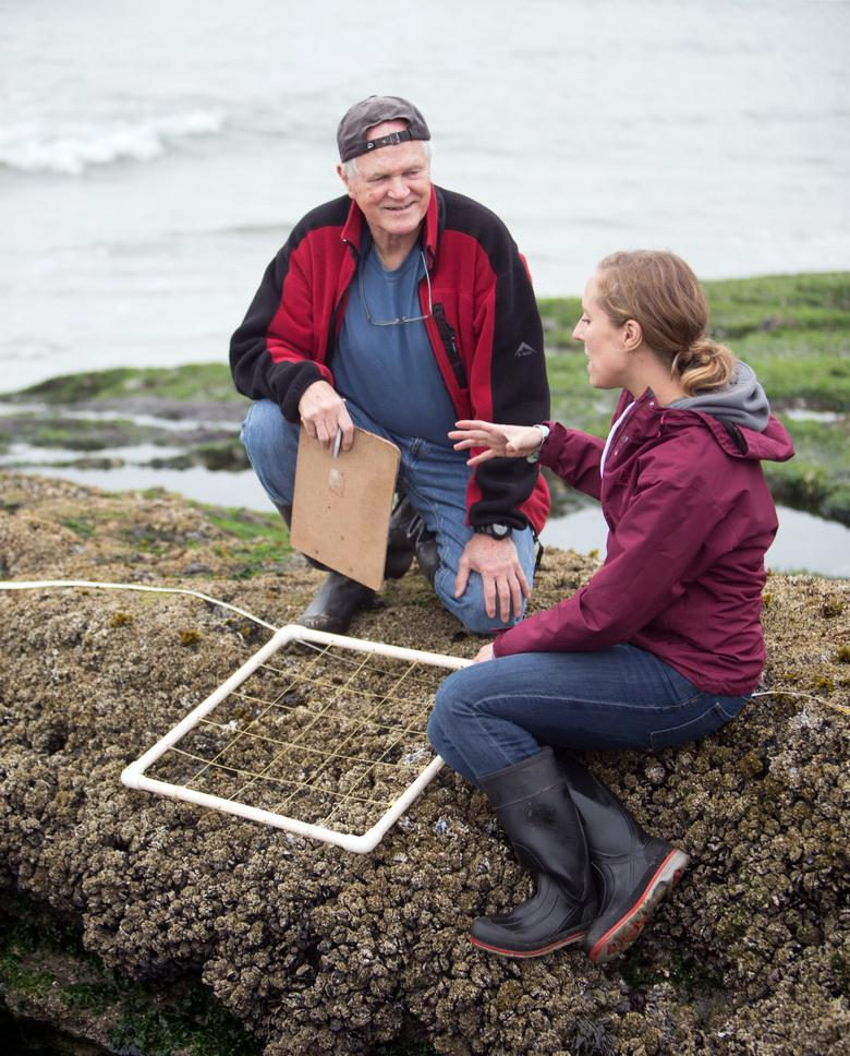 Bruce Menge in the field, with student Elizabeth Cerny-Chipman.