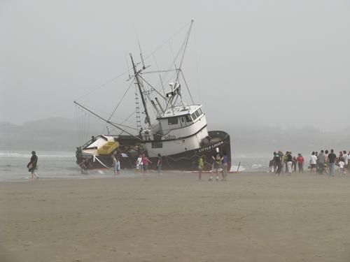 F/V Little Linda Stranded on Nye Beach