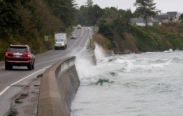 King Tide threatens Hwy 101. | Photo by Roy Lowe