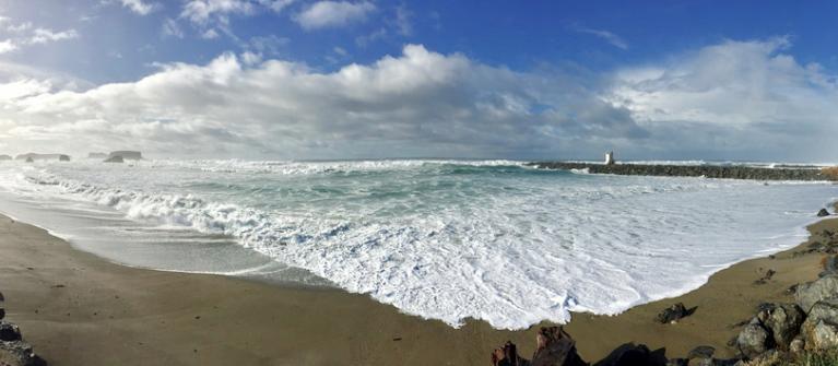 Bandon's South Jetty at king tide.\Photo by Rick Poecker.