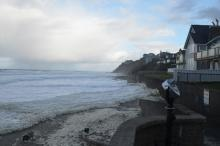 Morning King Tides on December 2, close to the seawall at the access ramp west of SW 33rd St in Lincoln City