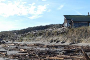 Home at edge of Alsea Bay