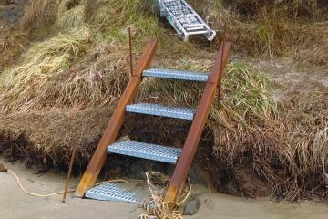 New stairway to Beach.
