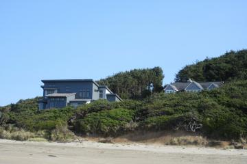 New house built this year -- shows natural path to beach