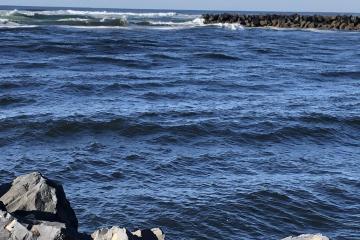 Between the jetties at Nehalem River