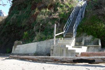 Another shot of the stairs with concrete facings.Photo by Diane Bilderback