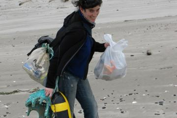 Natanya picked up and carried whatever she could.  Net result was 16 plastic bottles, a couple of plastic bags, rope, styrofoam floats, and other assorted junk.  A great effort as she carried much of the stuff for over five miles.