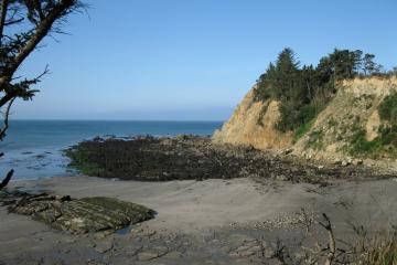 Another shot, the north side of south cove. The most exposed rock I've ever seen there.