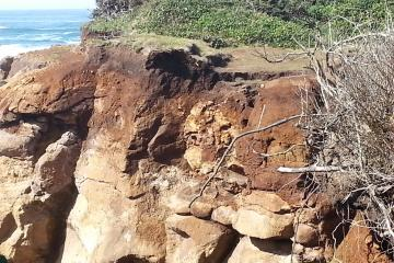 Crack in bluff at Fishing Rock. Four foot section about ready to go.