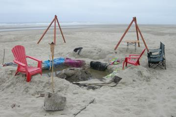 From previous night 3 people did come to remove and clean debris from beach