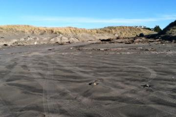 debris and sand deposition at Del Rey Beach auto access