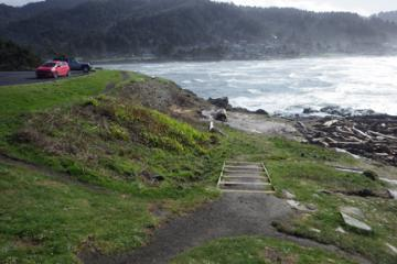 Photo from overlook at Yachats State Park along Ocean View Drive north of river